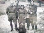 Eugeniusz Batiuk (pierwszy z prawej) podczas służby wojskowej