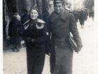 H. Pakoszewska z NN na ulicy w Samborze