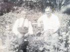 Kajetan Batiuk (po prawej) w swoim ogrodzie