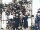 Leon Kiwacki z żoną i córkami po przyjeździe do Bystrzycy Oławskiej