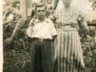 Stanisław Kiełb z matką Marią w Masindi